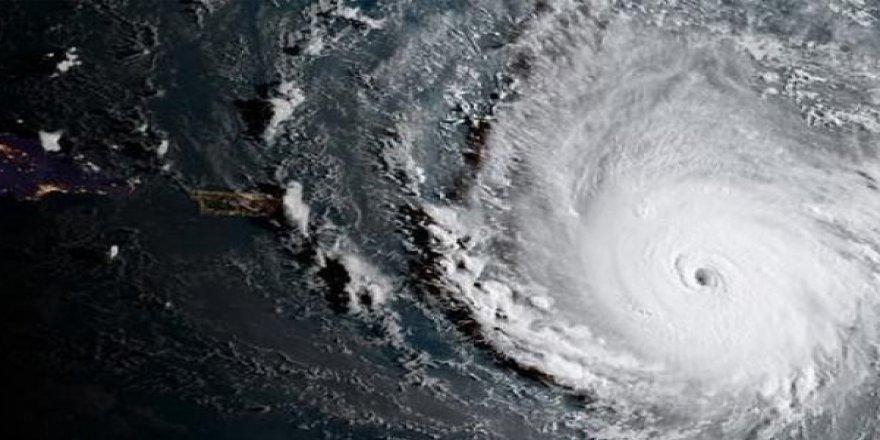 Irma Kasırgası ABD'ye Ulaşmadan Ekonomisini Vurdu