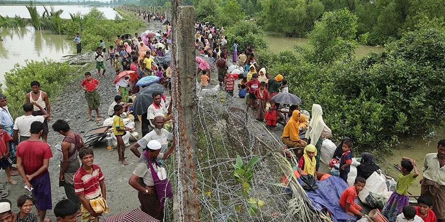 """""""Myanmar Hükümeti Bangladeş Sınırına Mayın Döşüyor"""""""