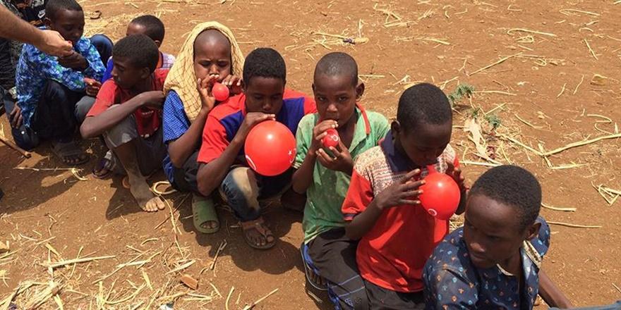 İlk Kez Balon Gören Somalili Çocukların Mutluluğu!