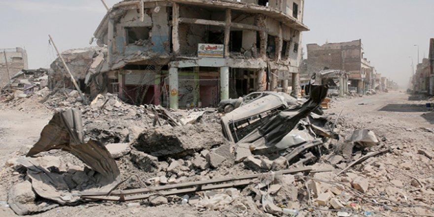 Musul'da Enkaz Altından 2 Bin 100 Ceset Çıkarıldı
