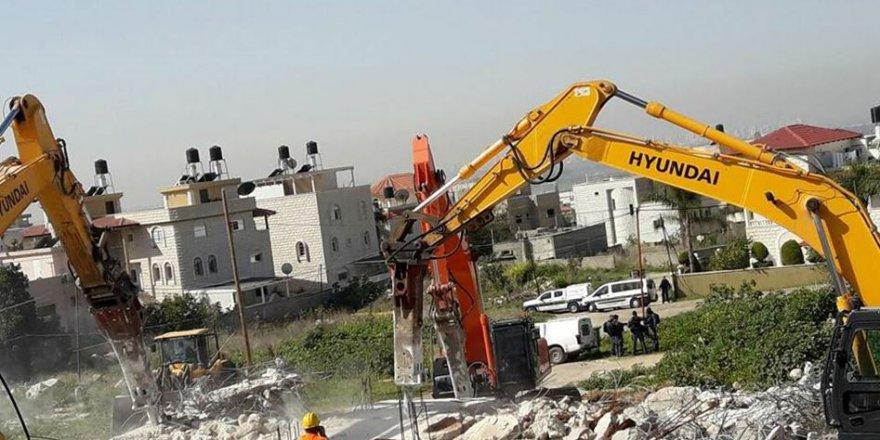 İşgal Yönetimi Kudüs'teki Şehitler Mezarlığı'nın Bir Bölümünü Yıktı