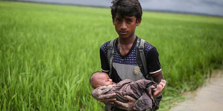 UNICEF: Bangladeş'e Sığınan Arakanlı Müslümanların 200 Bini Çocuk