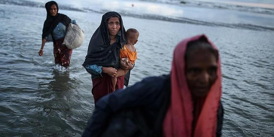 """""""Arakan'dan Bangladeş'e Geçenlerin Sayısı 400 Bine Yaklaştı"""""""