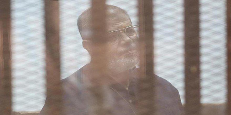 Sisi Yargısından Mursi Hakkında Müebbet Hapis Kararı