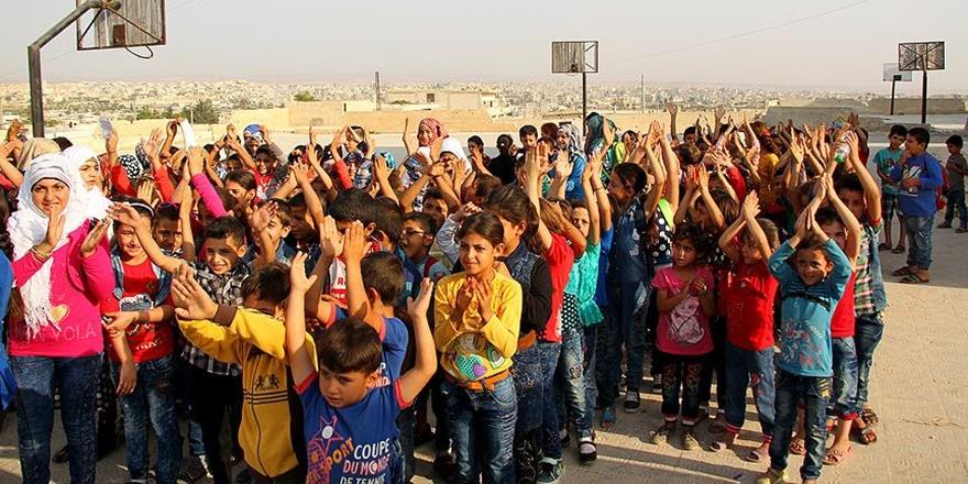 İdlib'de Öğrenciler Ders Başı Yaptı