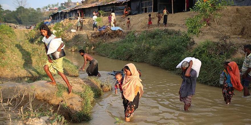"""""""Bangladeş'e Geçmeye Çalışan Daha Binlerce Arakanlı Var"""""""