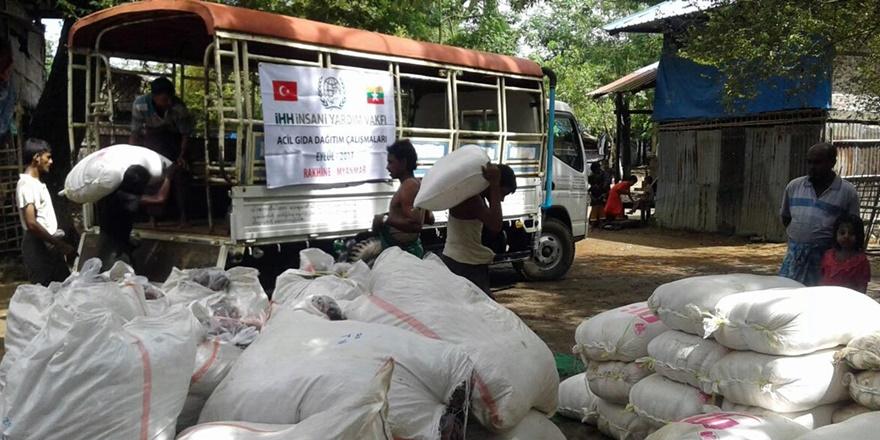 İHH'dan Arakan'da 3 Bin 125 Kişiye Gıda Yardımı