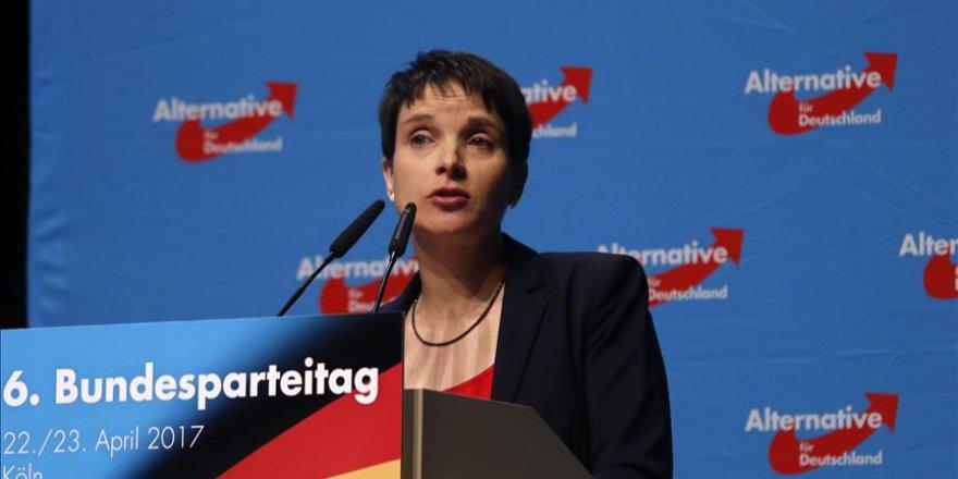 Afd Eşbaşkanı Petry Partisinden İstifa Edecek