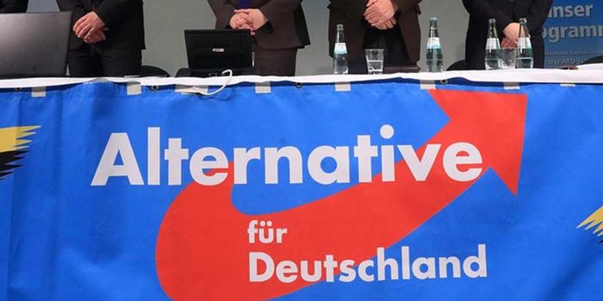 Irkçılar, Almanya'nın En Büyük Üçüncü Partisi!