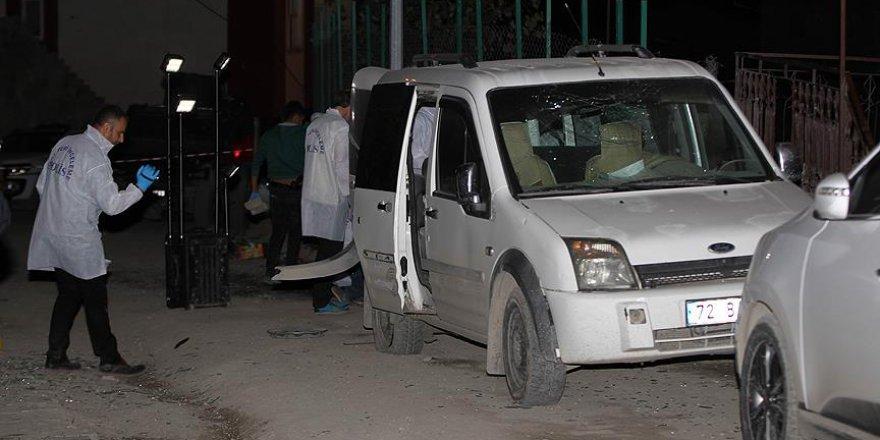 AK Parti İl Başkan Yardımcısı'nın Aracına Bombalı Saldırı