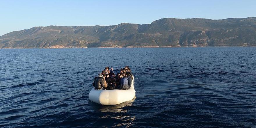 Yunanistan'ın Meis Adası'nda Göçmenleri Taşıyan Bot Battı!