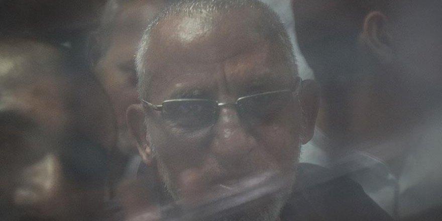 Mısır'da Cunta Yargısı Muhammed Bedii'ye Müebbet Hapis Cezası Verdi