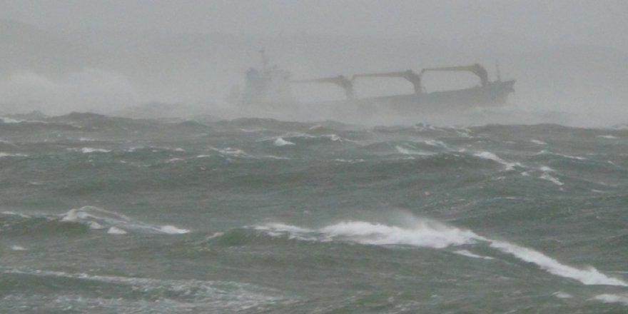 Arakanlı Müslümanları Taşıyan Tekne Alabora Oldu: 16 Ölü