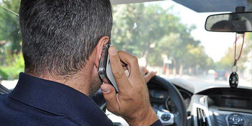 Trafik Kazalarının Yüzde 60'ı Cep Telefonu Kaynaklı