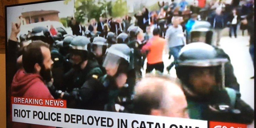 İspanya Polisinden Oy Kullanma Merkezlerine Baskın
