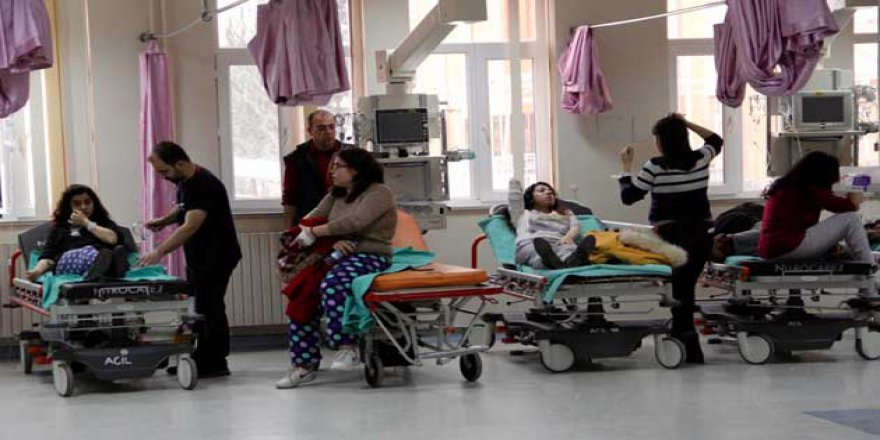 Mersin'de 63 Öğrenci Hastanelik Oldu