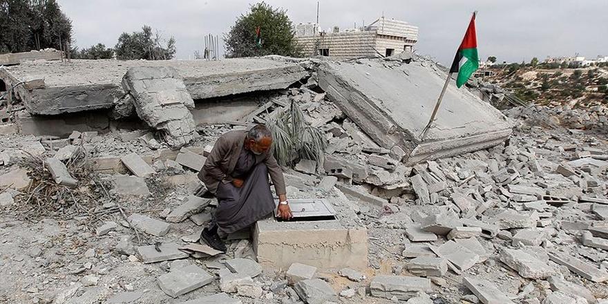 İşgalci İsrail Doğu Kudüs'te Filistinlilere Ait 3 Evi Yıktı!
