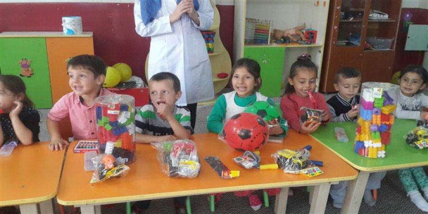 Hayırda Buluşanlar Topluluğu'ndan Muş'taki Okullara Yardım