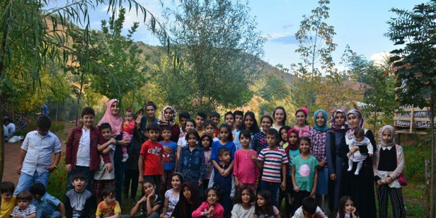 Bingöl  Özgür-Der Üye ve Gönüldaşları Piknikte Buluştu
