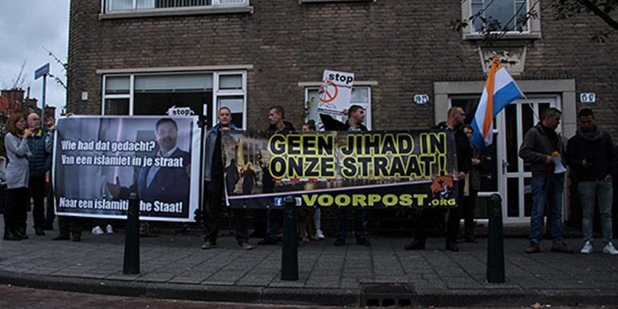 Hollanda'da İslam Karşıtı Gösteri: Cami İstemiyoruz