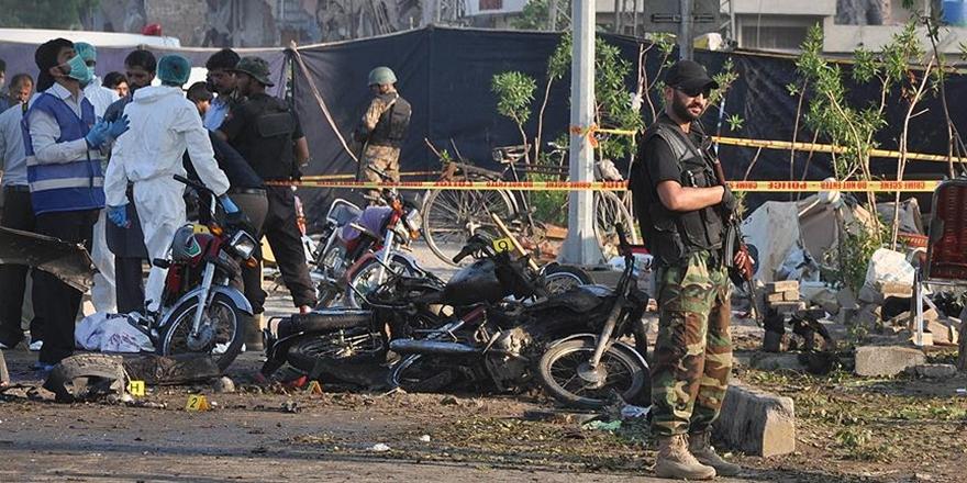 Pakistan'daki Türbe Saldırısı: Ölü Sayısı 24'e Yükseldi