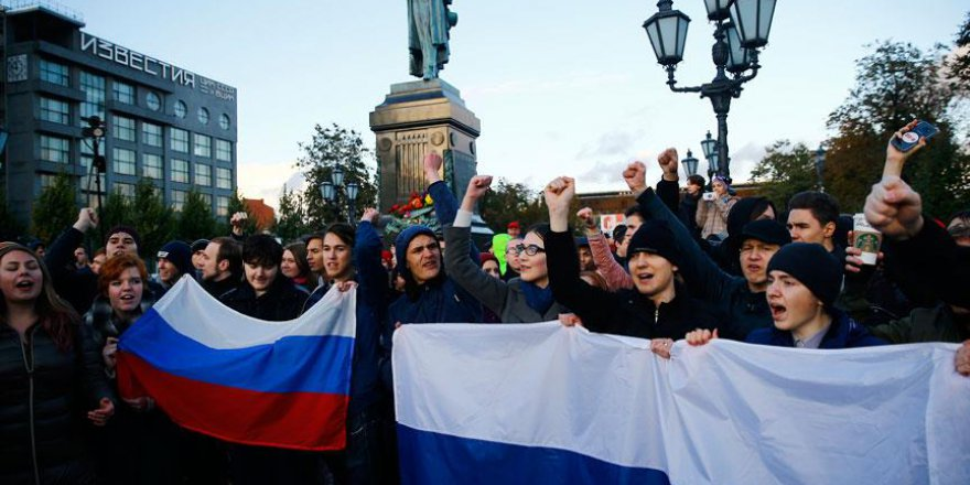 Rusya'da Putin'in Doğum Gününde Protestolar Düzenlendi