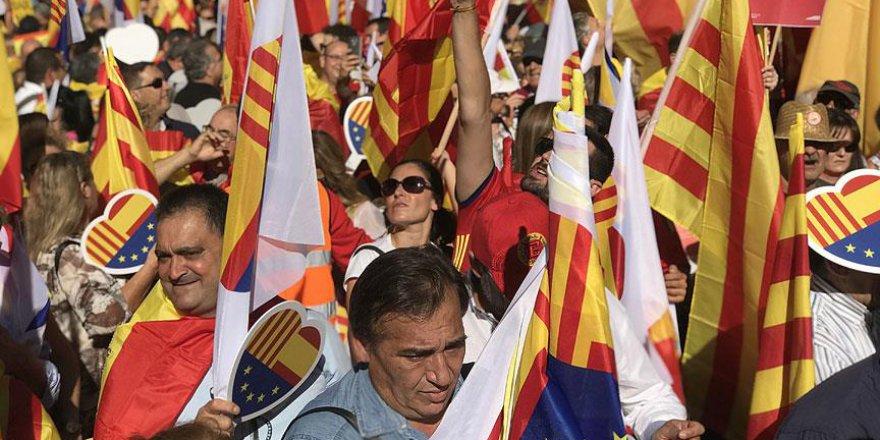 Barselona'da Bağımsızlık Karşıtı Gösteri Düzenlendi