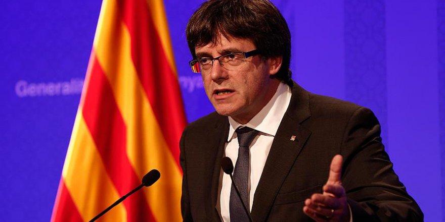Katalonya Başkanı Puigdemont 'Bağımsızlık İlanından' Geri Adım Atmıyor