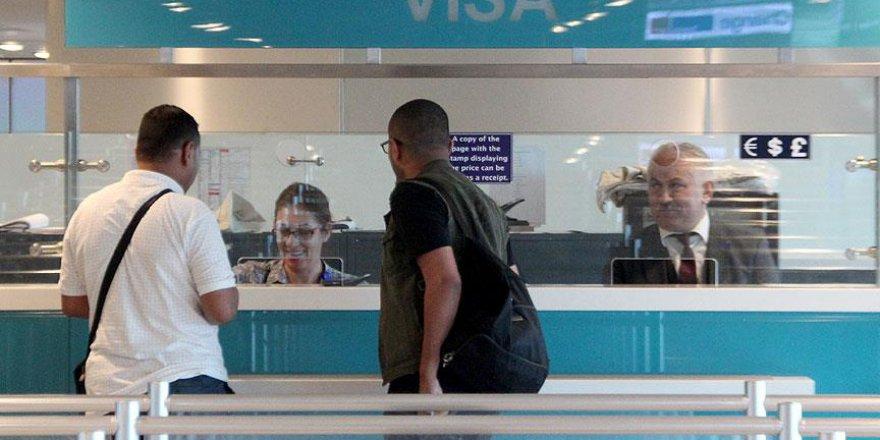 Vize Almak İsteyen Amerikalı Bazı Yolcular Türkiye'ye Giremedi