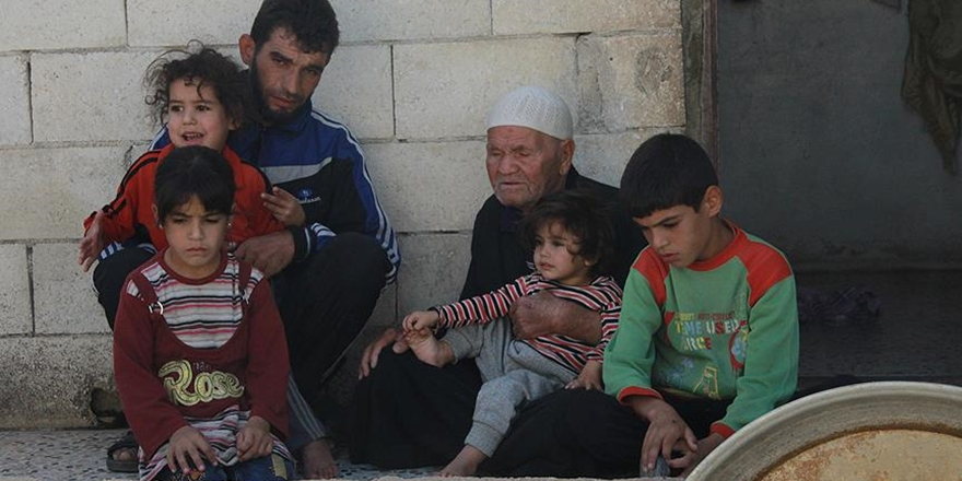 Esed'in Köylerini Yıktığı Türkmenler Yardım Bekliyor!
