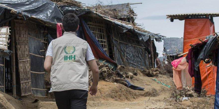 İHH 270 Bin Arakanlıya Yardım Ulaştırdı