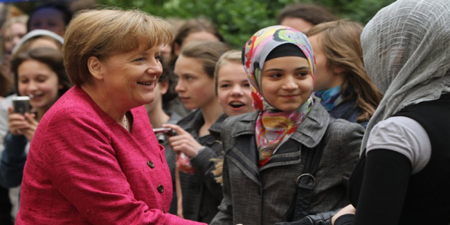 Almanya'da Müslümanlar İçin Tatil Günü Tartışması