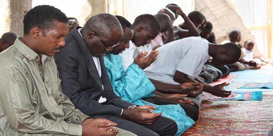 Orta Afrika Cumhuriyeti'nde Camiye Saldırıda En Az 20 Ölü