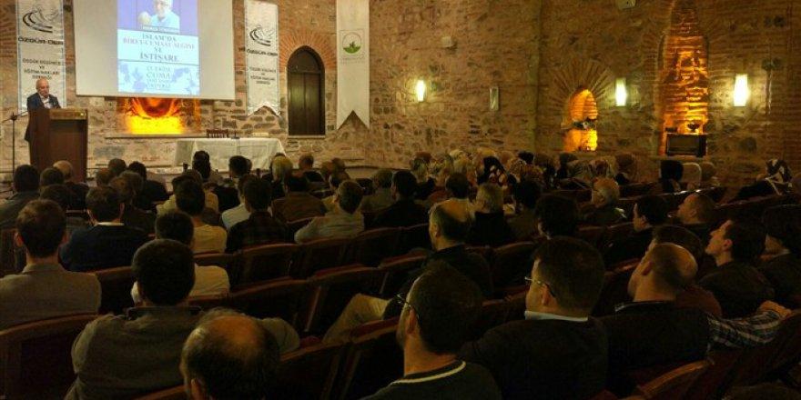 """Bursa'da """"İslam'da Birey-Cemaat Algısı ve İstişare"""" Konuşuldu"""