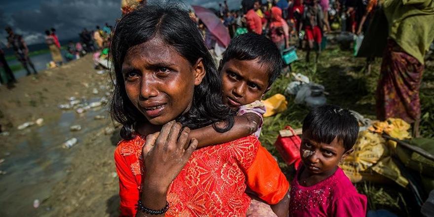 """""""Arakan'dan Bangladeş'e Geçen 320 Bin Çocuk Tehdit Altında"""""""
