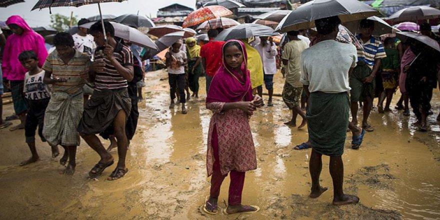 'Bangladeş'teki Kamplar Saatli Bombadan Farksız'