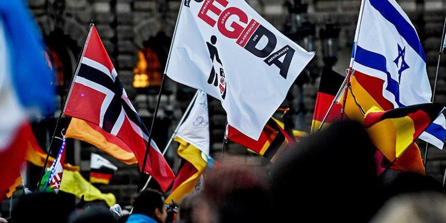 Almanya'da Irkçı PEGIDA Gösteri Düzenledi