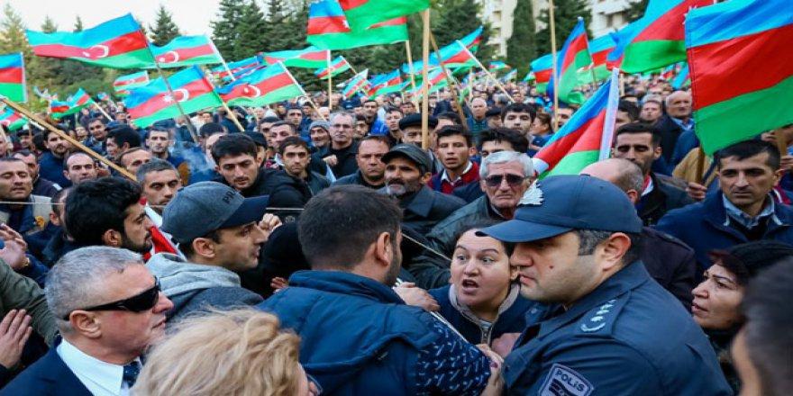 Azerbaycan'da Muhalefet Yolsuzluğa Karşı Miting Düzenledi