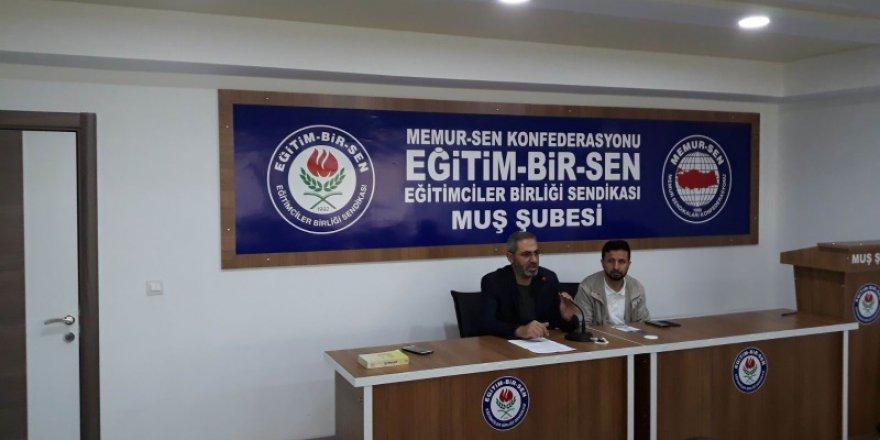 "Muş'ta ""Mehmet Akif Ersoy"" Konuşuldu"