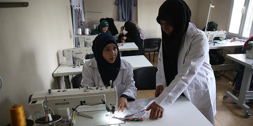 Dikiş Kursuyla Suriyeli Kadınlara Umut Oluyor