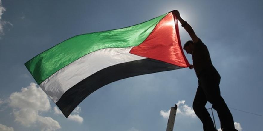 """Filistinli Gruplardan İngiltere Başbakanı'na """"Balfour"""" Tepkisi!"""