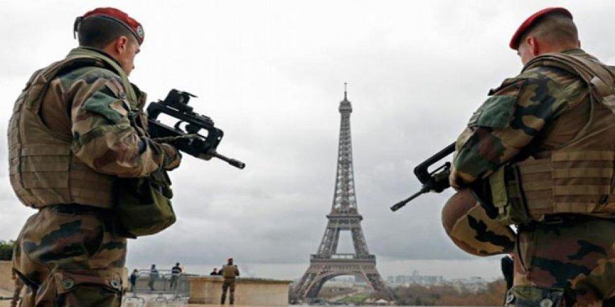 Fransa'da 'Çifte Ajan' Krizi
