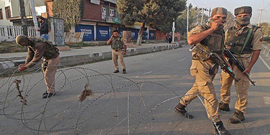 Keşmir'deki Çatışmada 2 Hint Askeri ve 1 Direnişçi Öldü