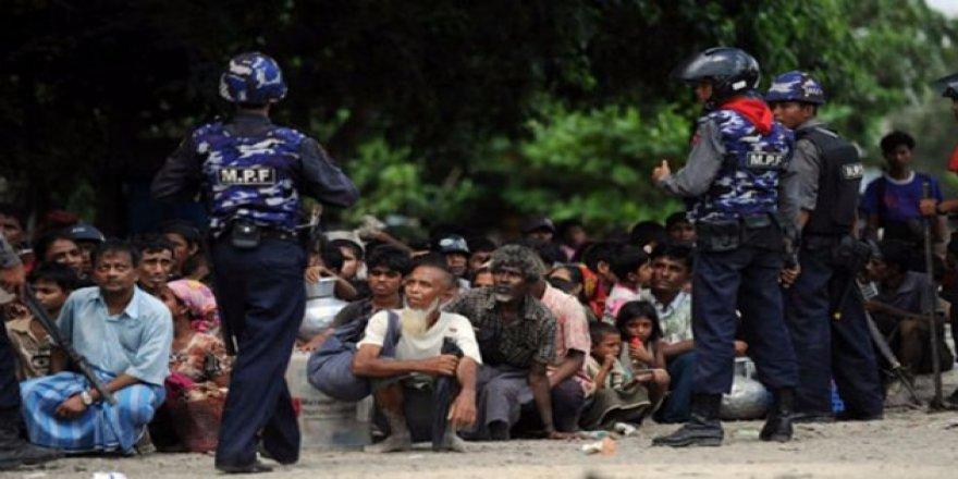 """Bangladeş'ten """"Myanmar'a Baskı Yapın"""" Çağrısı"""