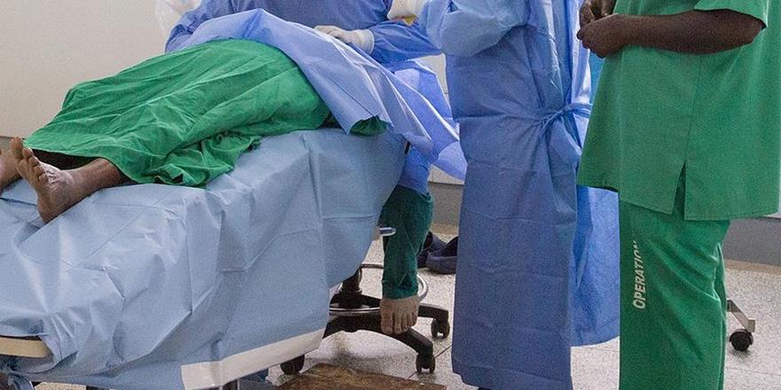 """Uganda'da Doktorlardan """"Süresiz Grev"""""""