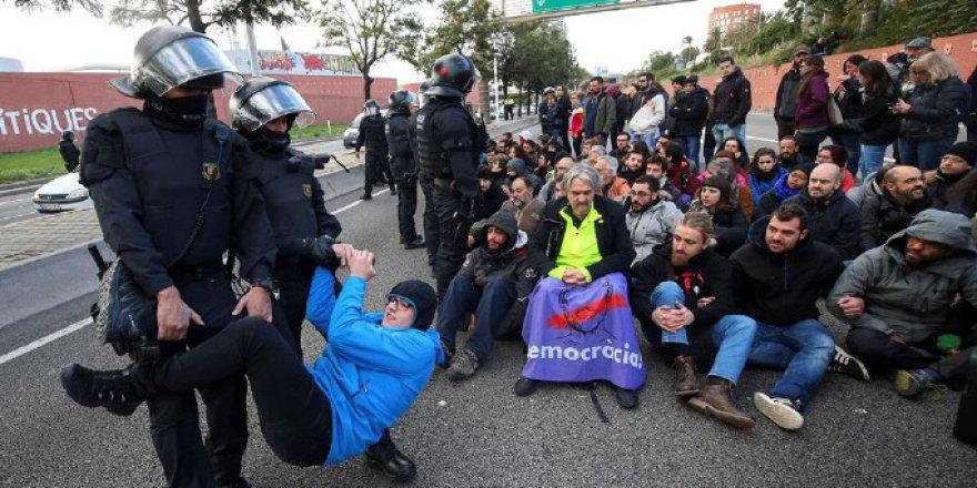 Katalanlar Grevde: 60 Yerde Ulaşım Yok