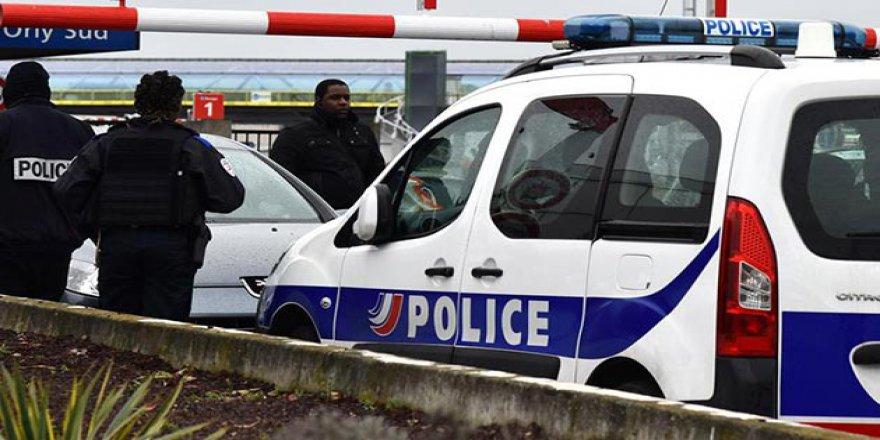 Fransa'da Bir Araç Kaldırımdaki Öğrencileri Ezdi