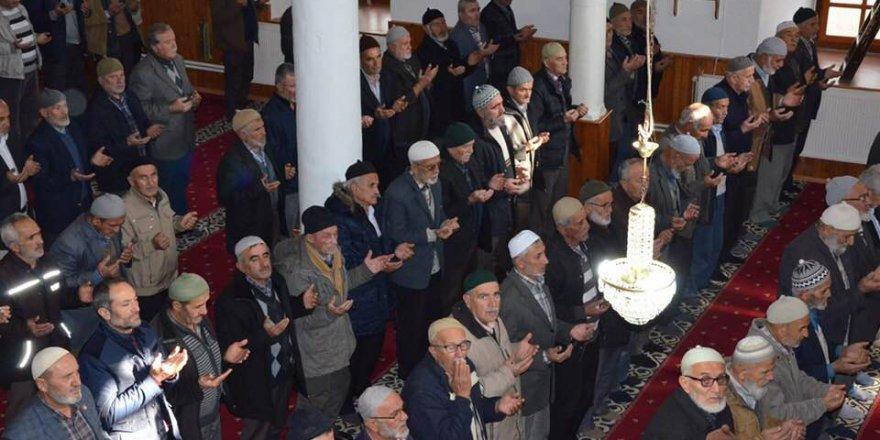 AK Partili Belediye Başkanı Tüm Camilerde 10 Kasım Mevlidi Okuttu