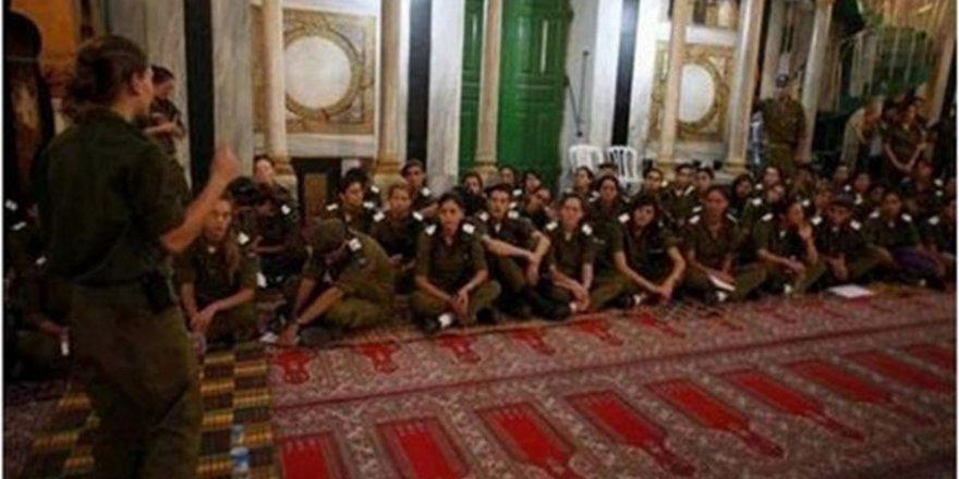 35 Bin Yahudi İbrahim El-Halil Camii'ne Baskın Düzenledi