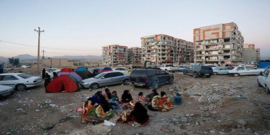 Depremin Vurduğu Kirmanşah'ta 70 Bin Kişi Dışarıda